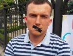 Украинцы в поисках денег полезли в карманы чиновников