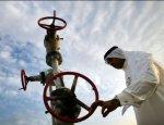 """Нефть гонят в """"коридор"""": Саудовская Аравия держит мир за баррель"""