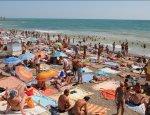Дома хорошо, а в Крыму лучше: Керченская переправа «трещит по швам»
