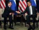 Зачем США хвалят правительство Медведева?