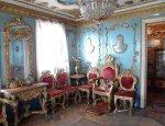 Неказистый дом из Брянской глубинки скрывает внутри настоящий дворец