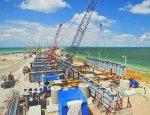 Опубликованы кадры подъема 45-тонного пролета для Керченского моста