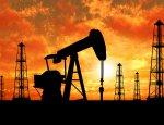 Нефть дорожает в ожидании снижения избытка предложения на рынке