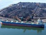 Махнули рукой на санкции: российский уголь спасёт порты Латвии от разорения
