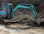Кадры восстановления дорог острова Русский после зимы