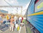 Под «крыло» к агрессору: украинцы «штурмуют» российские поезда