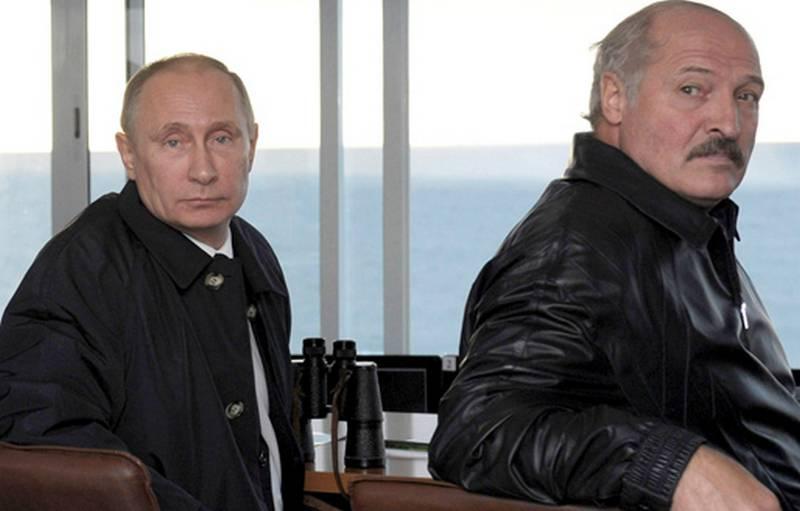 Белорусские СМИ: Москва крепко держит Лукашенко за кредиты